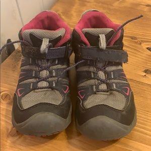 Girls Keen hiking shoes
